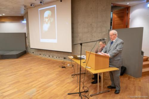 Links Ólafur Egilsson, rechts Jóhann Ólafsson